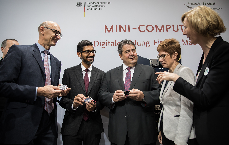 IT-Gipfel mit Google CEO Sundar Picahi am 17.11.16 in Saarbrücken. / Fotograf: Tobias Koch (www.tobiaskoch.net)