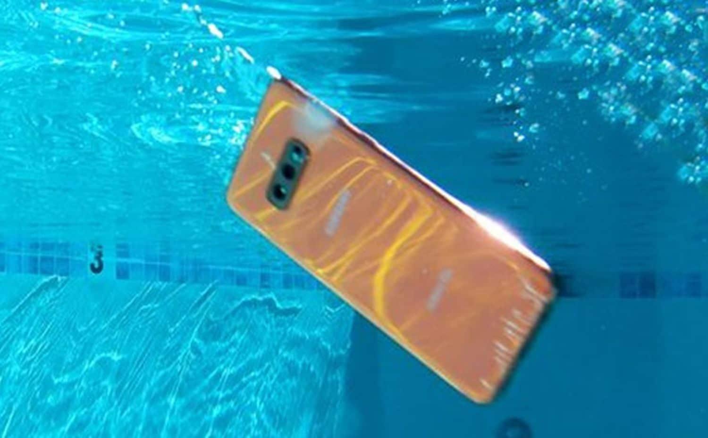 smartphone unter wasser